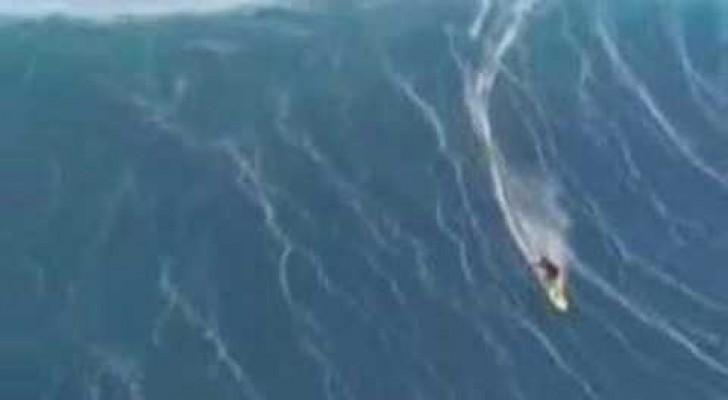 Cavalgando la ola de las olas....INCREIBLE