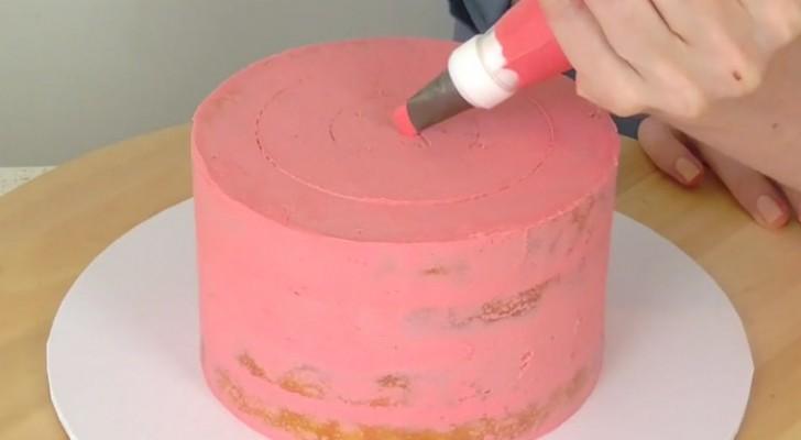 Decorar una torta: he aqui una tecnica simplisima de resultado fabuloso