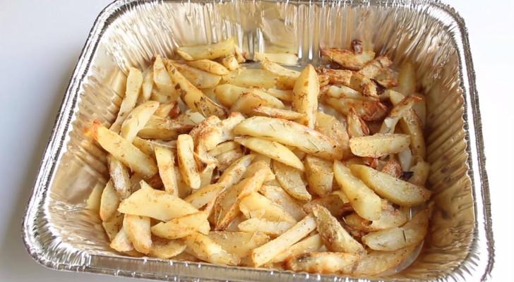 Gustose patate al forno: ecco il trucchetto per cucinarle senza usare l'olio