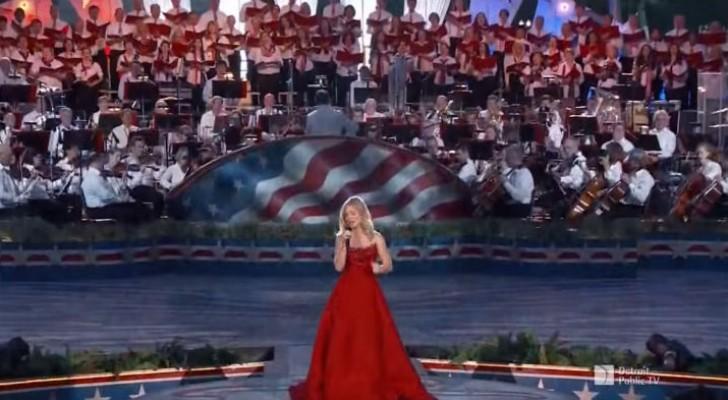 Ze betreedt het podium met een groot koor achter zich: als ze begint te zingen, begint de magie!