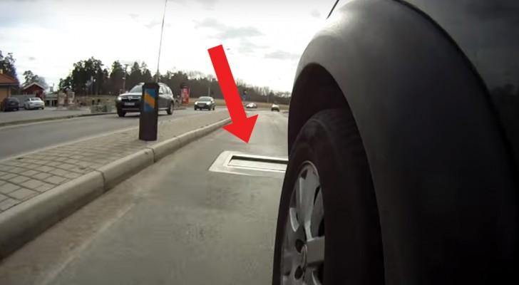 Ein Auto fährt mit überhöhter Geschwindigkeit: seht was mit der Straße passiert