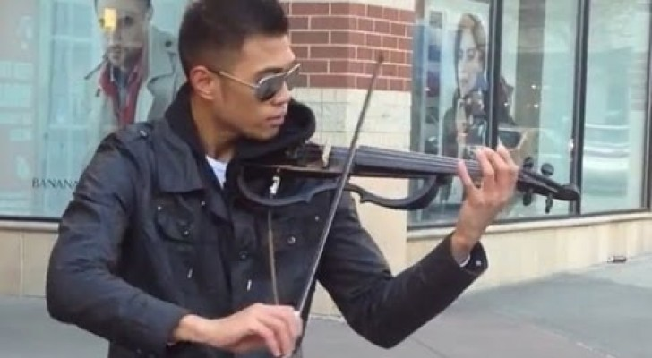 Amazing street violinist