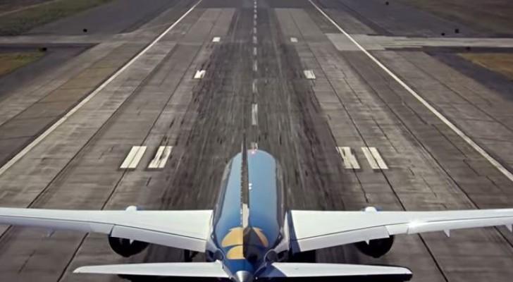 Aereo Di Linea Affiancato Da Caccia : Un aereo di linea agile come caccia il modo in cui