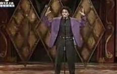 En hombre que puede cantar y algo mas...