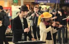 Uno show improvviso alla stazione di Vienna