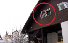 Un joven salta fuera de una ventana su habilidad los dejara duros!