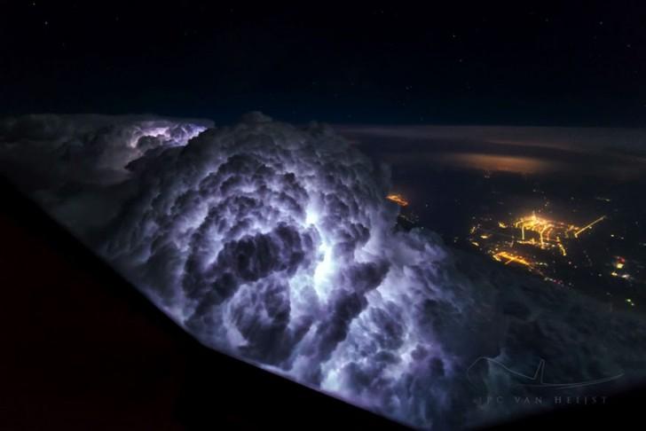 Un pilote d'avion se passionne pour la photographie: ses photos sont d'une beauté...  digne d'une science-fiction