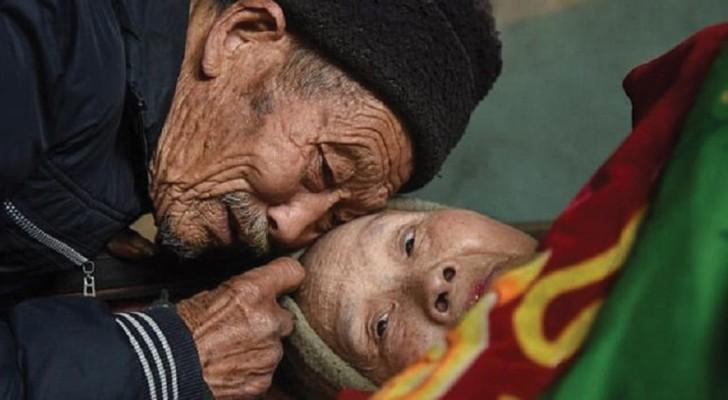 Il prend soin de sa femme paralysée depuis 56 ans: voilà ce que signifie aimer VRAIMENT