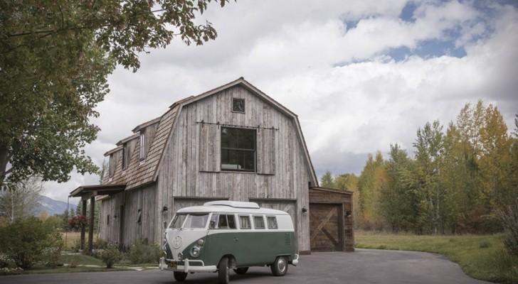 Wonderen der architectuur: een oude schuur wordt gerenoveerd en verandert in een prachtig huis