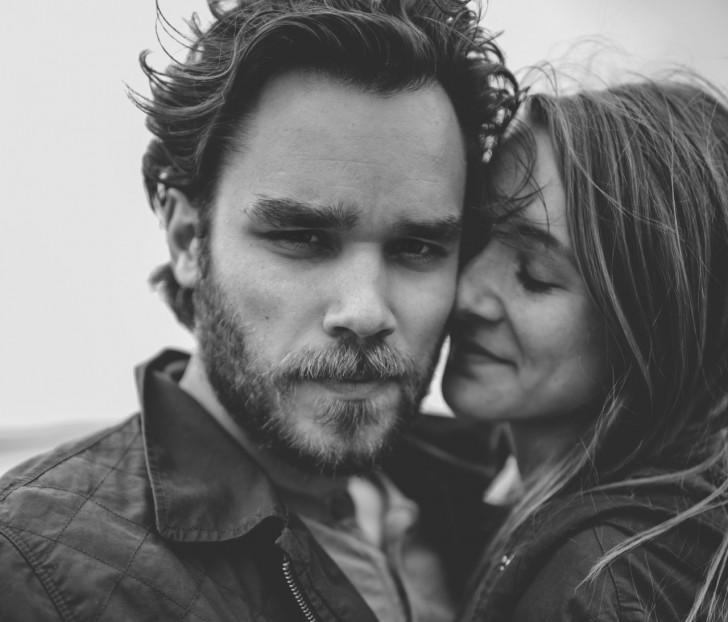 Les couples VRAIMENT heureux ne publient pas de photos sur Facebook