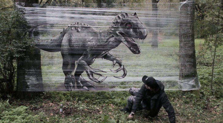 Questo artista ha trovato il modo di disegnare i graffiti nel bosco pur rispettando la natura