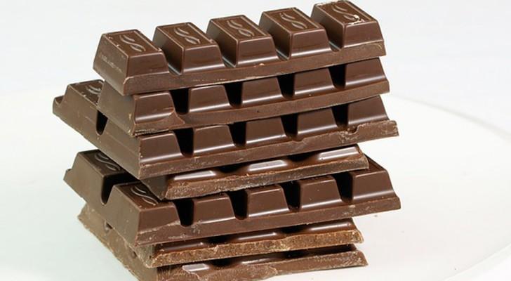 Entro 40 anni dovremo dire addio al cioccolato: ecco la prima vittima dei cambiamenti climatici