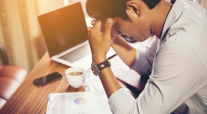 Stare seduti troppo a lungo può danneggiare il cervello: ecco tutti i dettagli della ricerca