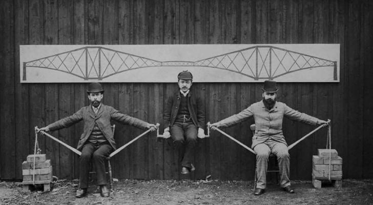 Questa affascinante immagine di fine '800 ci mostra il funzionamento dei ponti a sbalzo
