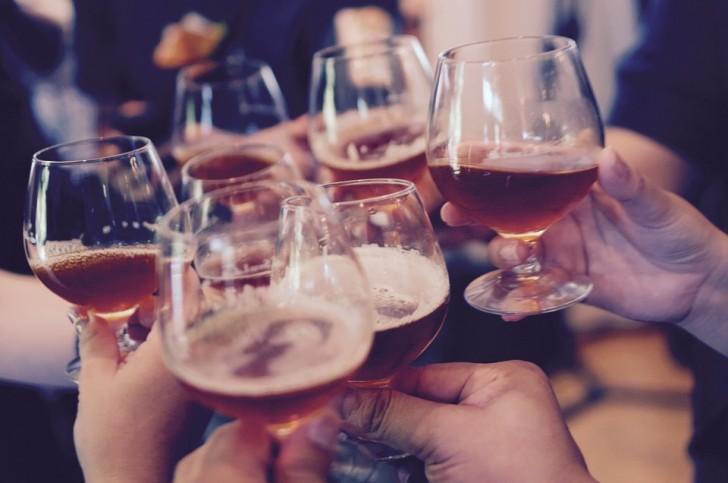 Die Wissenschaft bestätigt: Alkohol macht uns kreativer (aber Vorsicht- nicht übertreiben)