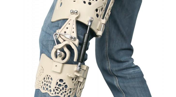 Questo esoscheletro stampato 3D promette di eliminare ogni dolore alle ginocchia senza dimenticare il comfort
