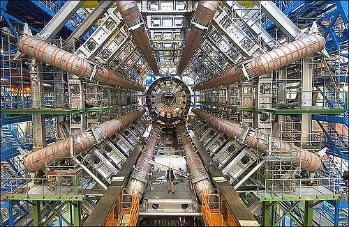 Dalla fusione dei quark si ricava un'energia 8 volte superiore di quella dell'idrogeno: ecco la scoperta