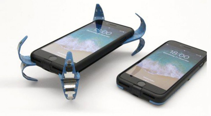 Lo smartphone ti cade in continuazione? Uno studente inventa una cover dotata di