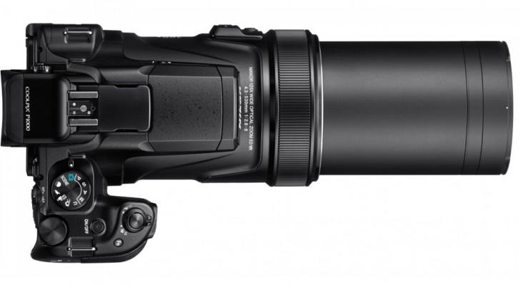 Questa Nikon da 1000 $ nasconde  uno zoom così potente che  la Luna sembra a portata di mano