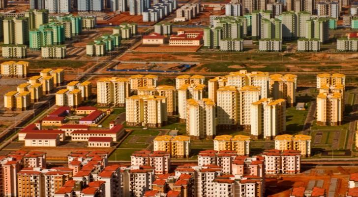 7 gigantische spooksteden die in moderne tijden zijn gebouwd... maar waar niemand ooit wilde gaan wonen