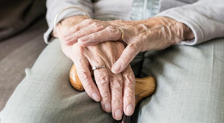 Gli esperti individuano uno dei primi segnali della comparsa dell'Alzheimer; e non è la perdita di memoria