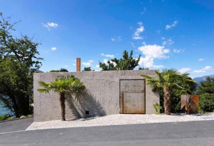 Hinter den Zementwänden und dem mächtigen Tor befindet sich ein spektakuläres Haus